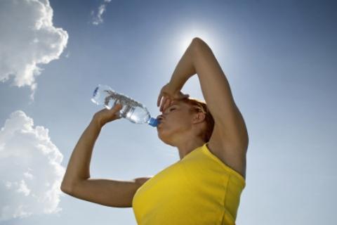 Cách giải nhiệt hiệu quả trong mùa nắng nóng.