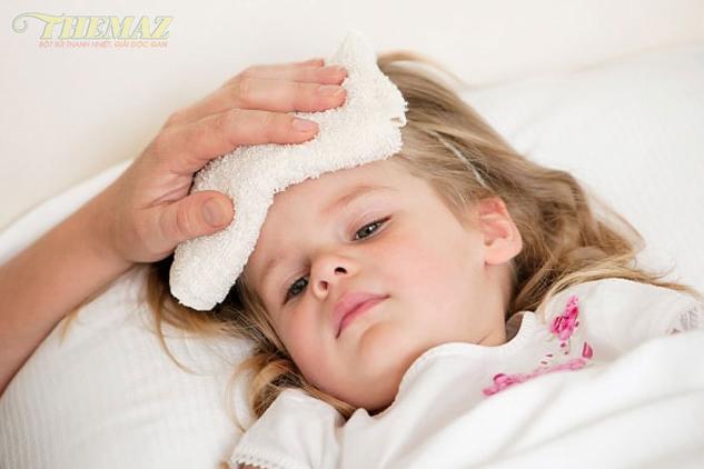 Sốt siêu vi ở trẻ có nguy hiểm không? Biểu hiện và cách điều trị như thế nào?